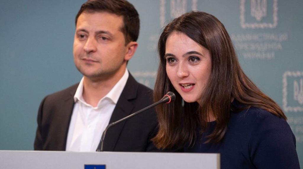 Прес-секретарка Зеленського заробила більше за президента: скільки вона отримала