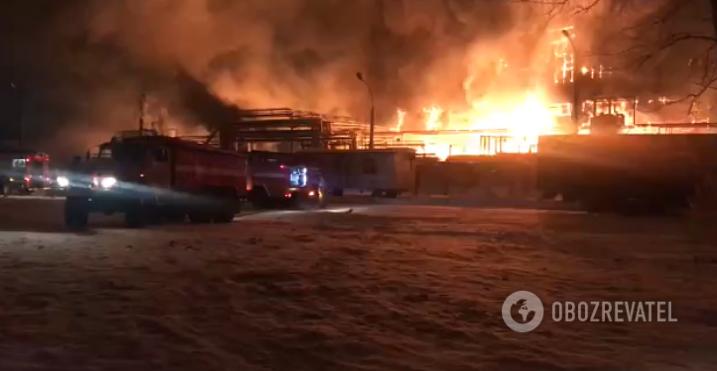 В России произошел масштабный пожар на нефтяном заводе