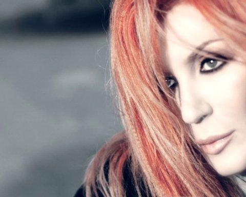 Хватал за волосы и резал: Ирина Билык заявила об избиении мужем
