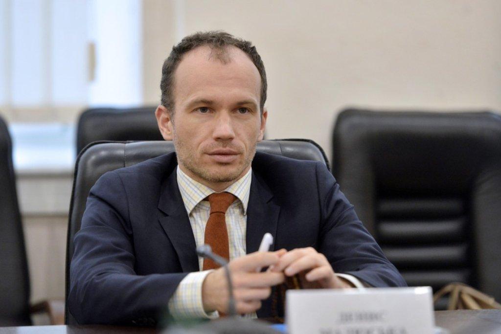 Український міністр поскаржився на маленьку зарплату та заговорив про звільнення