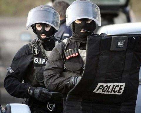 Встреча Зеленского и Путина: в Париже внезапно задержали участников АТО