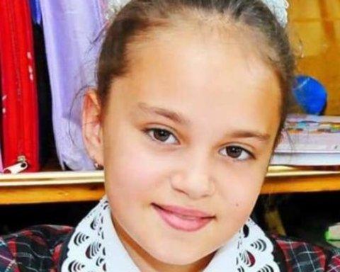 Убийство Даши Лукьяненко: в Одесской области установили трогательный памятник девочке