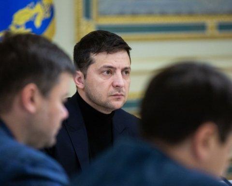 Децентрализация от Зеленского: президент усиливает вертикаль власти на местах