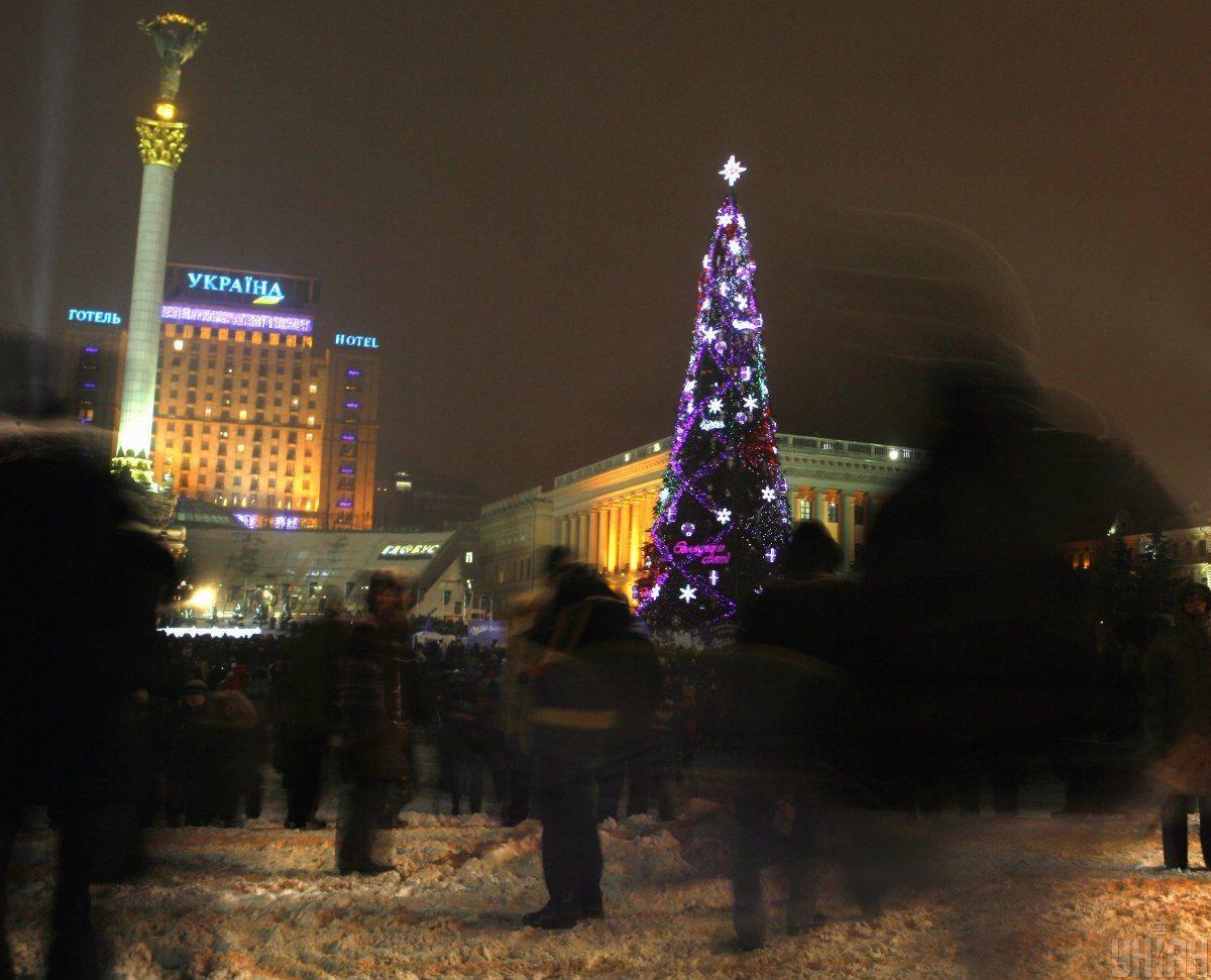 Как выглядела главная елка Украины в последние 10 лет: невероятные фото