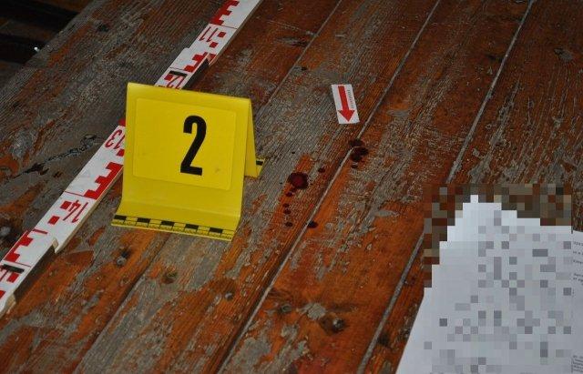 Трагедія у школі: учень з ножем напав на вчителя