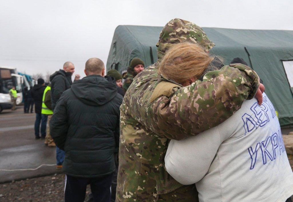 В плену на Донбассе удерживают 280 украинцев, — Денисова
