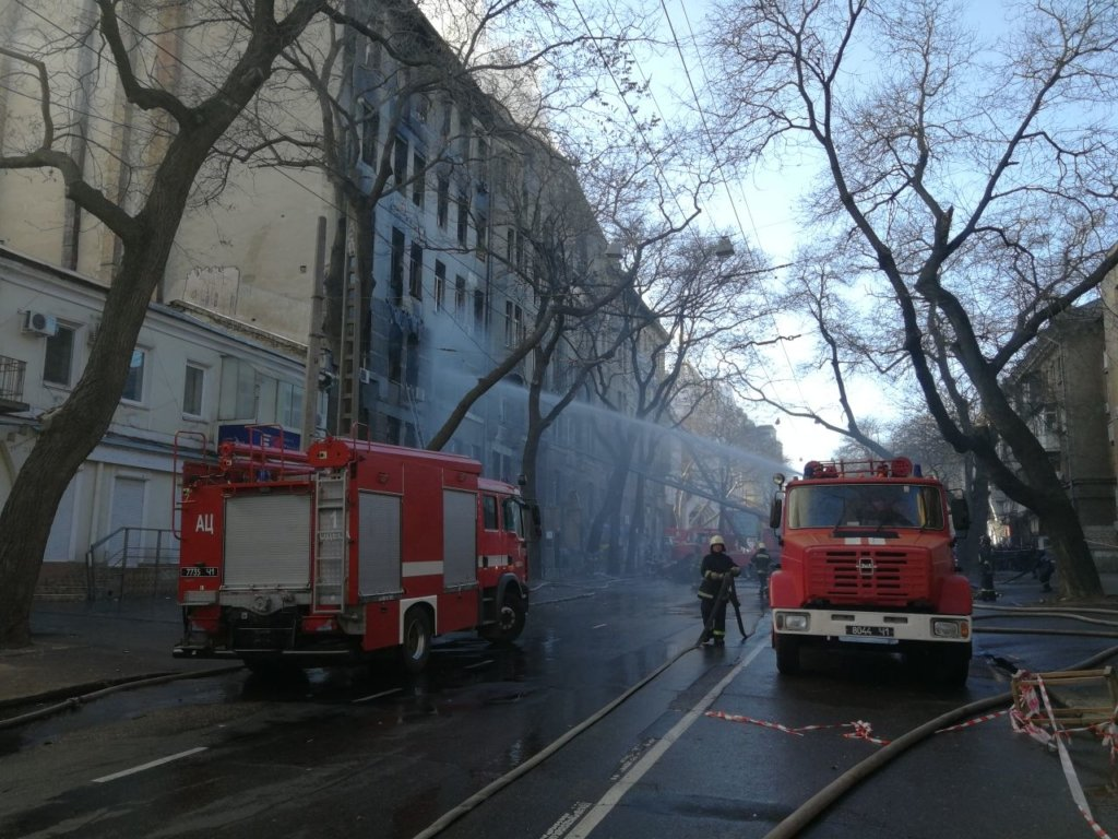 Не виключають підпал: озвучено головні версії пожежі в Одесі