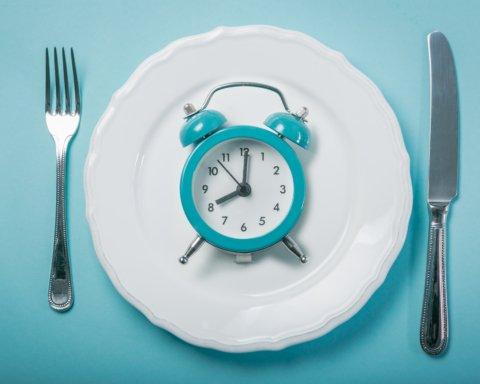"""Дієтолог """"дозволила"""" вечеряти після 6 години вечора"""