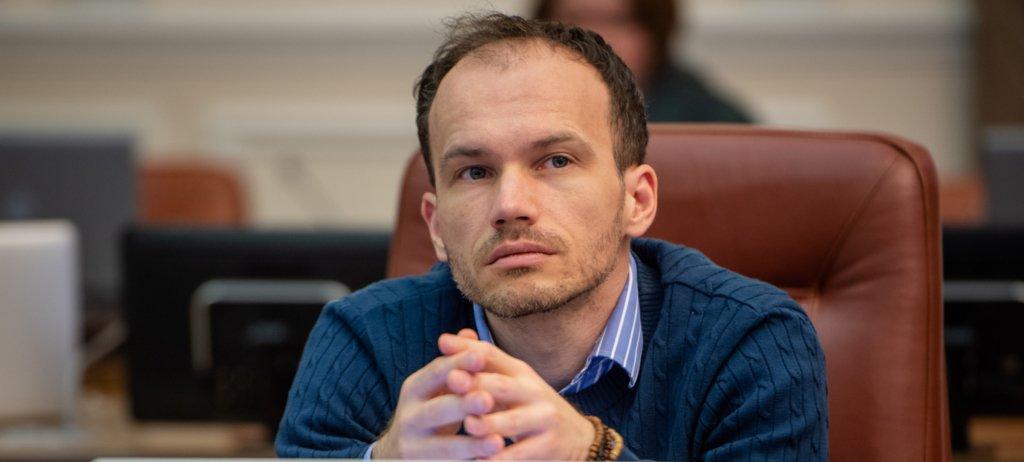 «Дурнуватий вигляд»: український міністр дивно привітав дружину з 8 березня