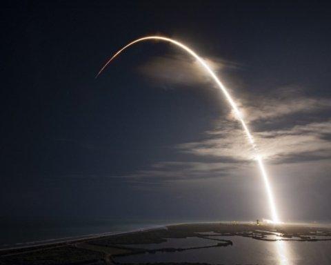 Ракета SpaceX успішно вивела в космос супутник, а ось на землі сталася біда