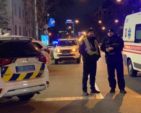 В центре Киева расстреляли автомобиль, погиб ребенок: фото и первые подробности