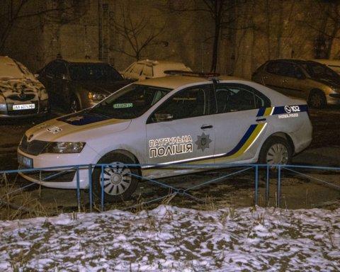 Випала з 13 поверху: у Києві сталася трагедія