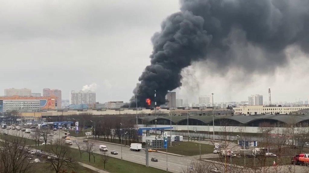 Південь Москви охопила потужна пожежа: перші кадри з місця НП