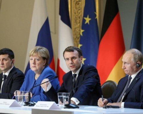 Меркель назвала Путіна переможцем саміту в Парижі