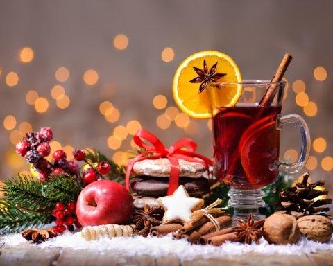 Привітання з Різдвом: красиві різдвяні листівки та привітання у віршах та прозі