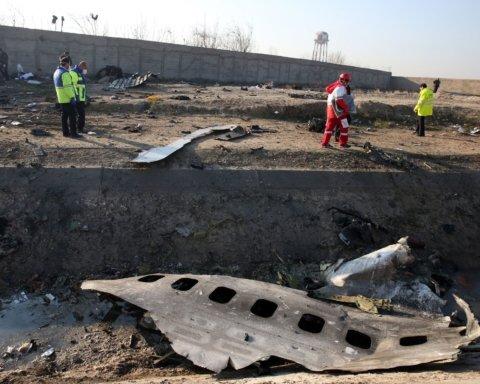 Катастрофа самолета МАУ: в Иране рассказали о помощи семьям погибших