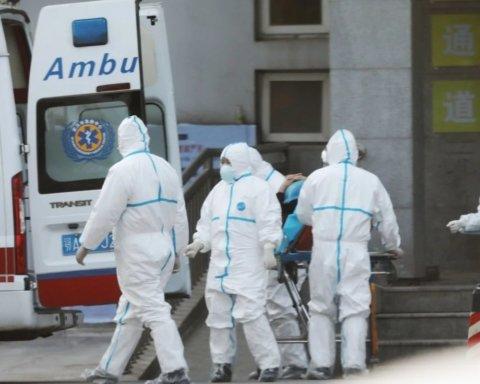 Построили за 48 часов: в Китае открыли больницу для зараженных коронавирусом