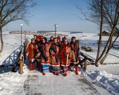 Найкращі колядки на Різдво: російською та українською мовами