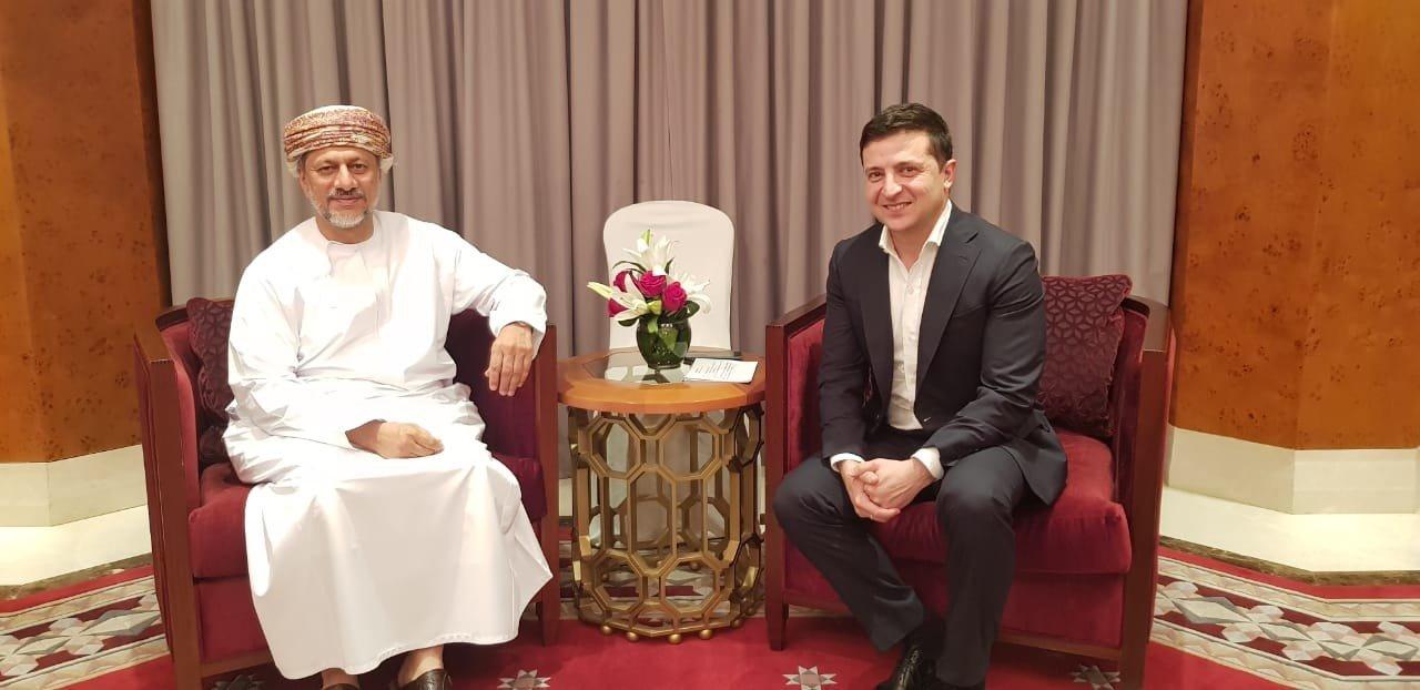 Уже не один: появились новые фото Зеленского из «отпуска» в Омане