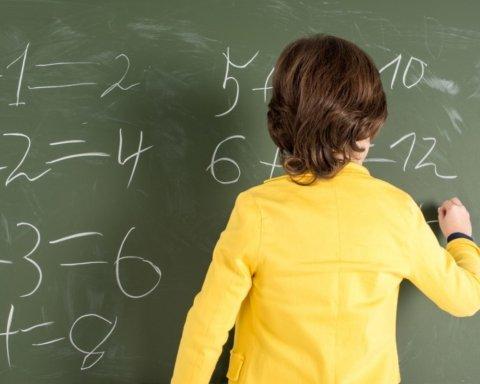 Зеленский подписал резонансный закон об образовании: что изменилось
