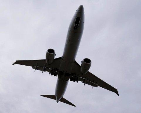 У Пакистані розбився пасажирський літак: перші подробиці