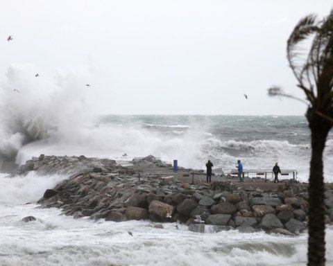 Рахунок загиблих від урагану в Іспанії перевалив за десяток