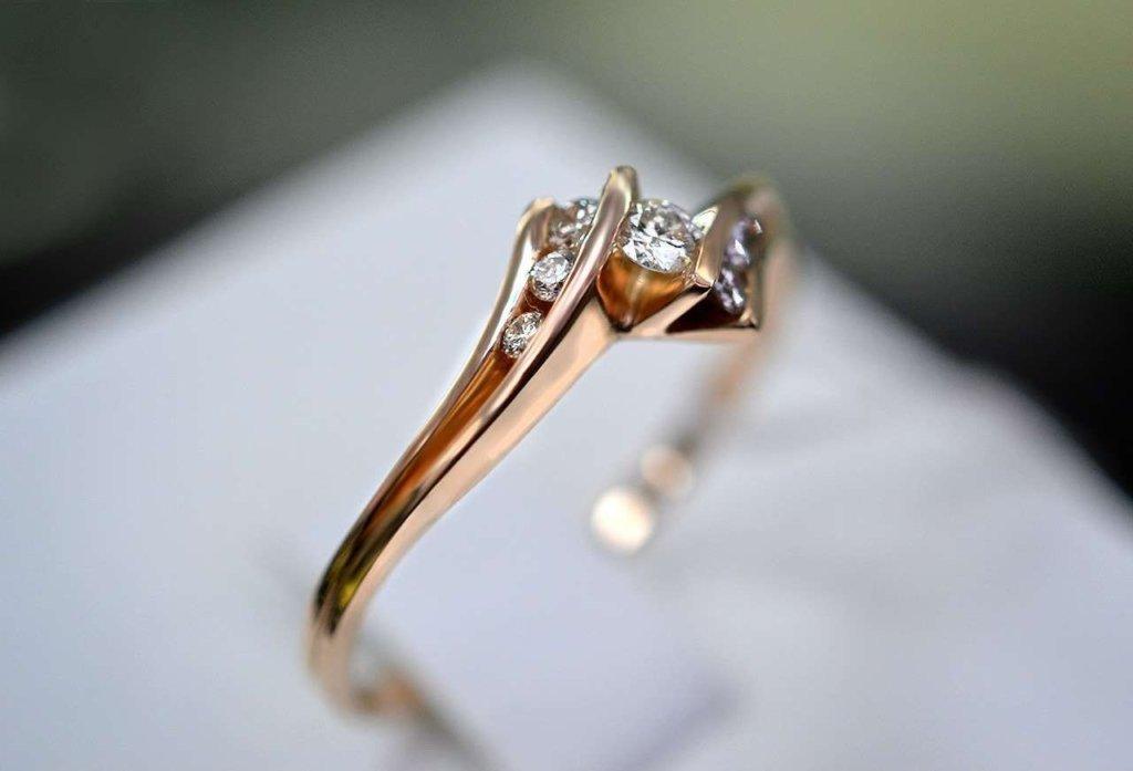 Мужчина заразил коронавирусом сотню гостей на свадьбе и умер