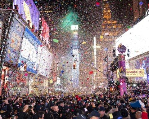 Локдаун на Новый год: в некоторых городах уже отменяют елки — чего ждать на праздники
