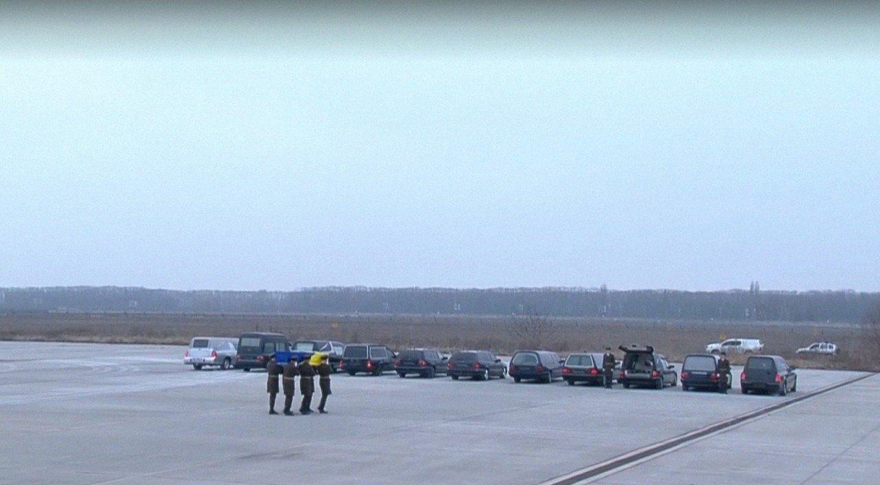 До Києва прибув літак з тілами загиблих у авіакатастрофі в Ірані
