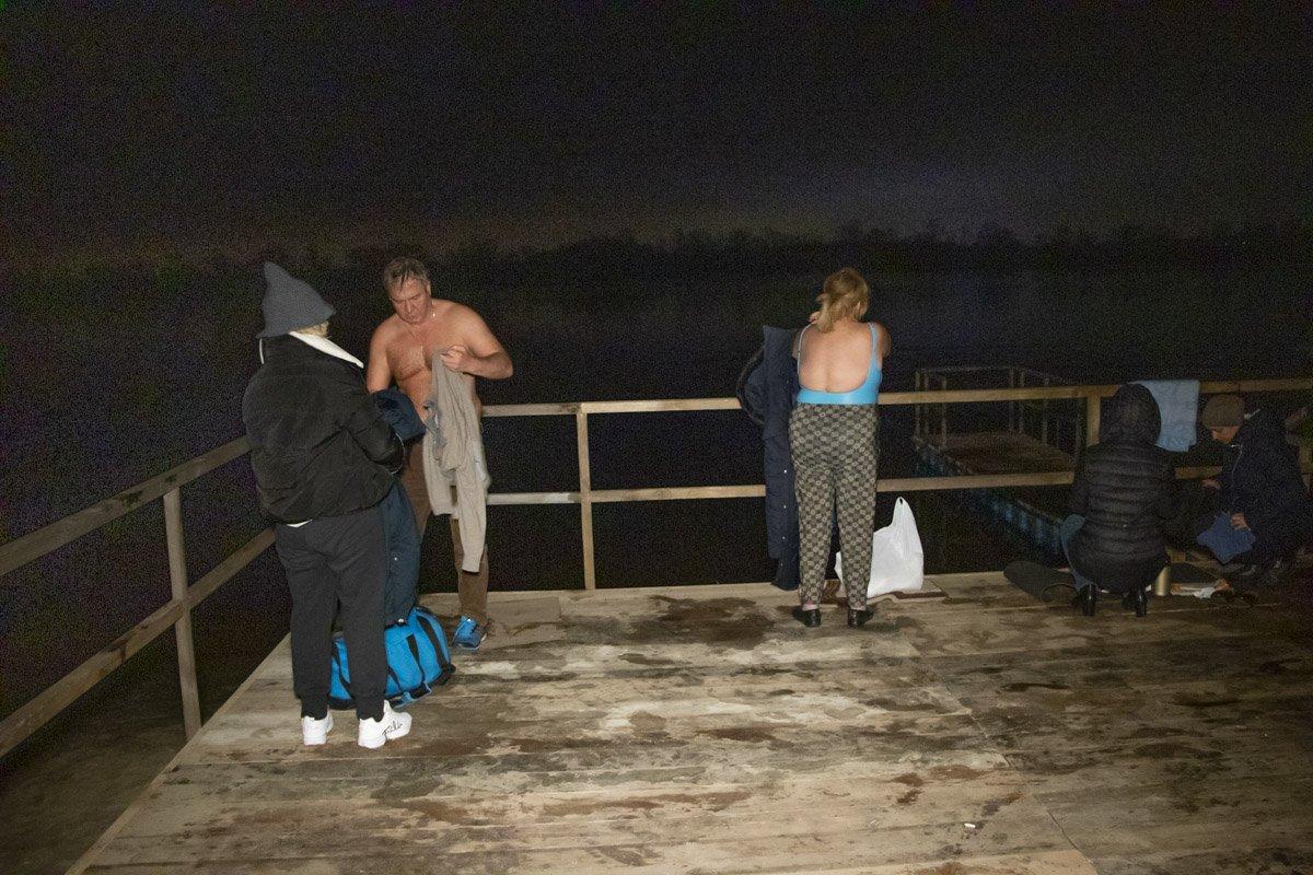 Крещение 2020: появились фото и видео первых купаний в Киеве