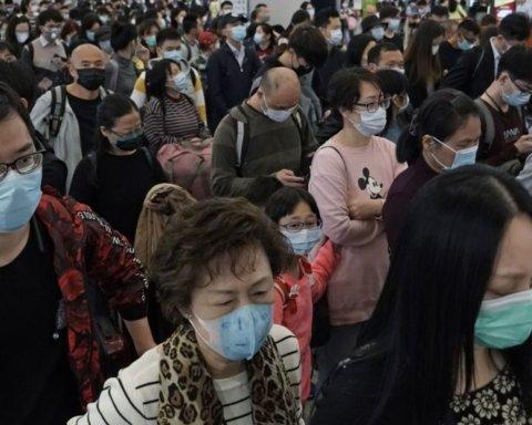 Замертво и без сознания: в Сеть выложили жуткие видео из Китая