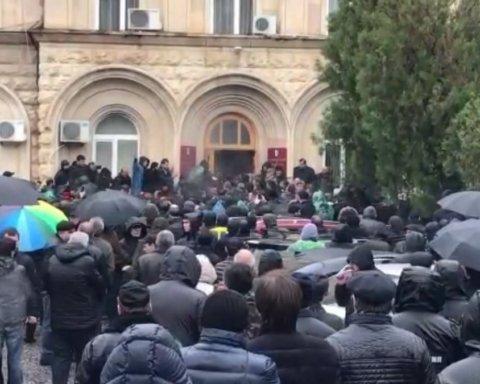 Протести в Абхазії: влада заявила про спробу державного перевороту