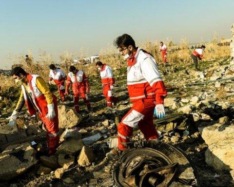 Годовщина катастрофы самолета МАУ в Иране: все, что нужно знать