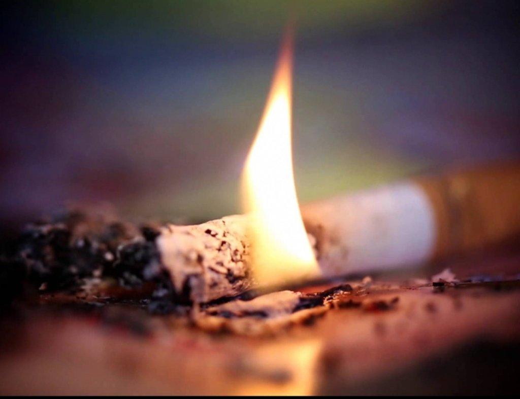 Курение убивает: целая семья на Киевщине погибла из-за окурка в постели
