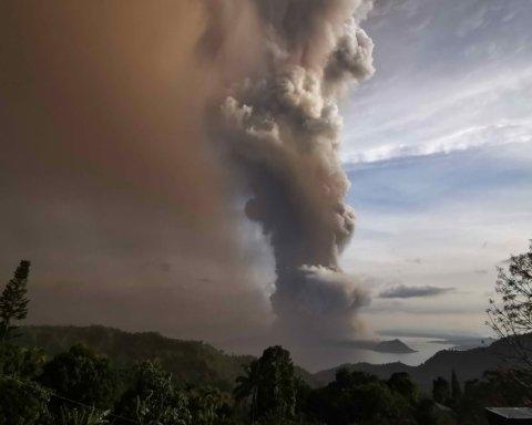 Извержение вулкана на Филиппинах: появились фото последствий