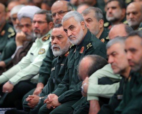 В Иране в давке на похоронах генерала Сулеймани погибли 35 человек