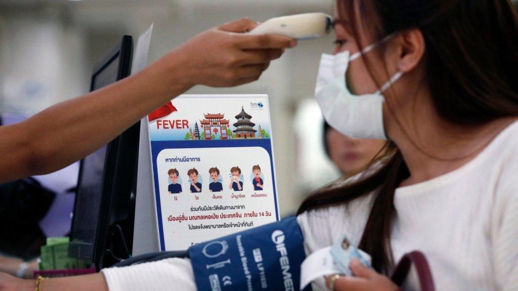 Число жертв нового коронавируса резко возросло, пневмония атакует популярный среди украинцев курорт