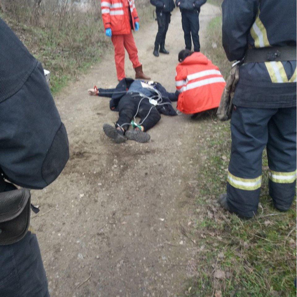 В Запорожье подросток спрыгнул с моста и погиб