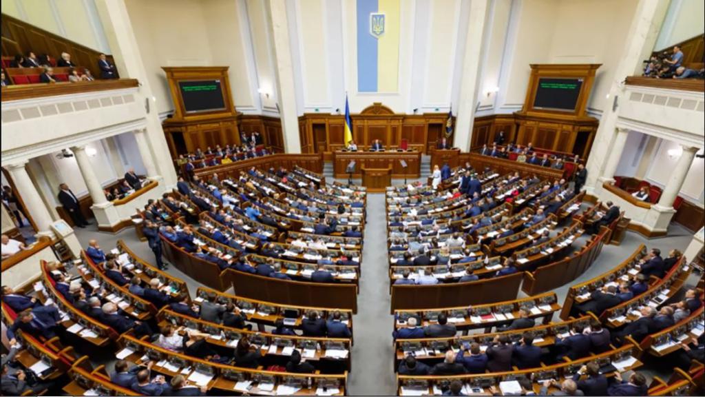 »Зарплатный скандал» может продолжиться: сколько получают депутаты Рады
