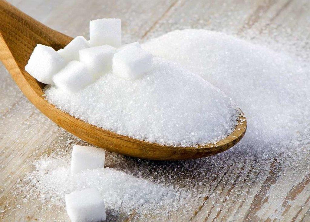 Чому ні в якому разі не можна вживати цукор: медики пояснили