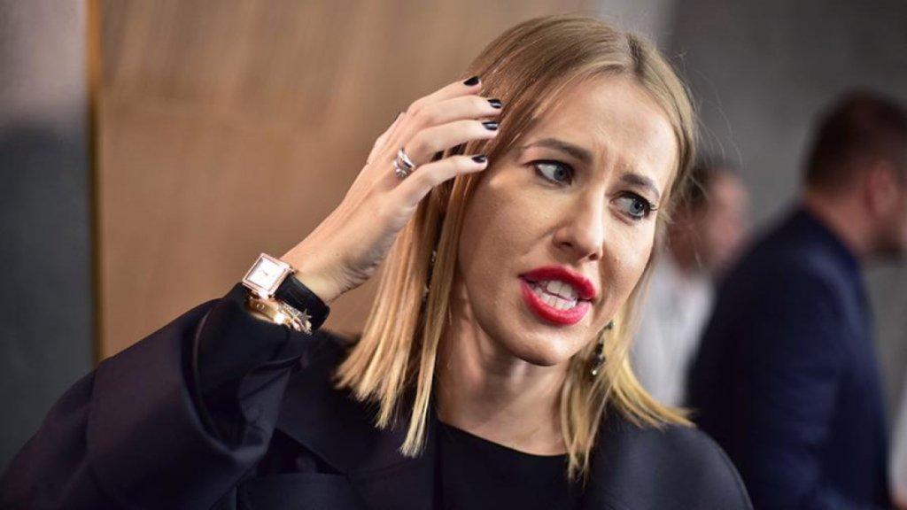«Лошадь ржет»: Собчак шокировала сеть зомби-лицом