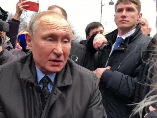 Кобзон уже близко: свежее фото Путина поразило сеть