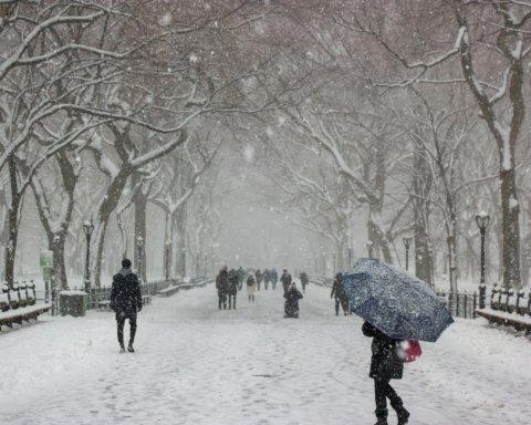 Снег и сильные морозы: синоптики рассказали о погоде до конца недели