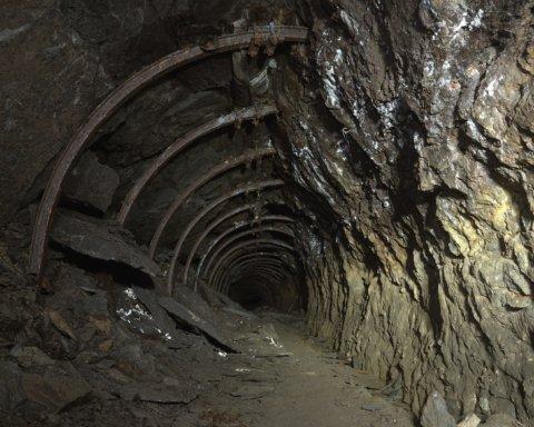 На оккупированном Донбассе произошел взрыв в шахте: есть жертвы