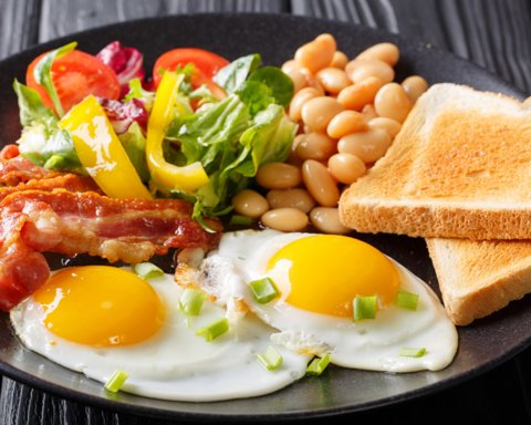Завтрак съешь сам: усиленный прием пищи утром помогает похудеть