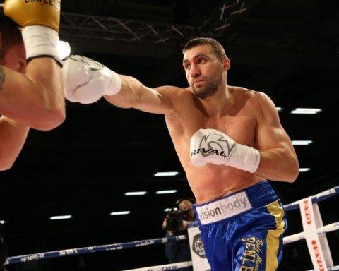 Украинец Выхрист нокаутировал белоруса на первых секундах боя