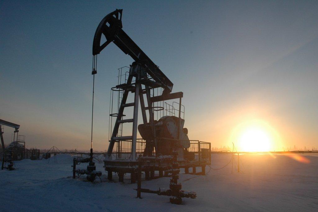 Нафта є, грошей немає: чому українці живуть так бідно