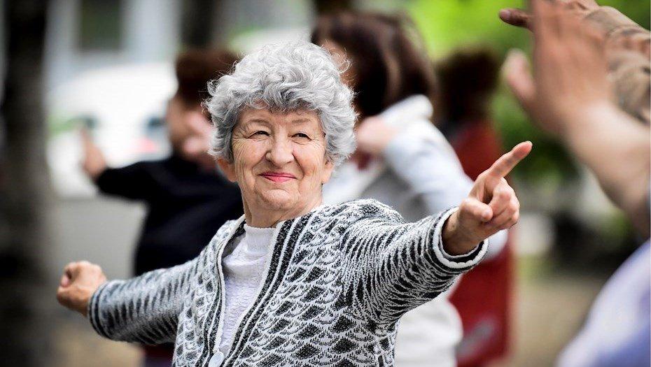 Пенсионный возраст женщин снова повысят: когда это произойдет