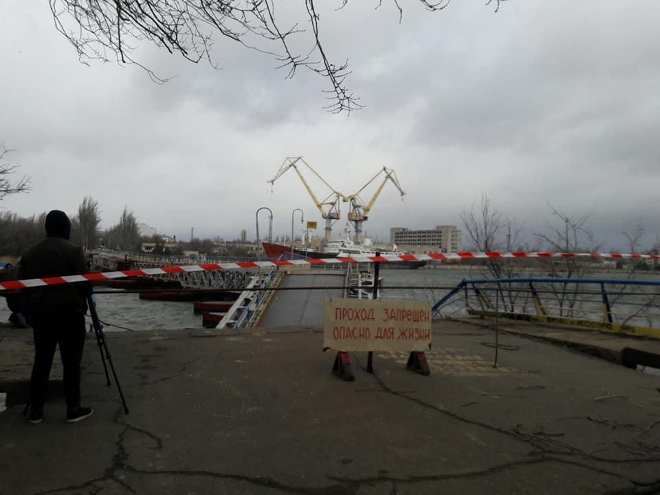 У Миколаєві через негоду звалився міст