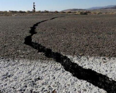 Туреччину за добу накрили два потужних землетруси